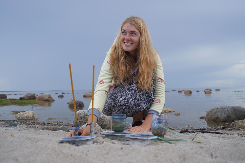 Композиция с автором Алисой Масловой на берегу Белого моря