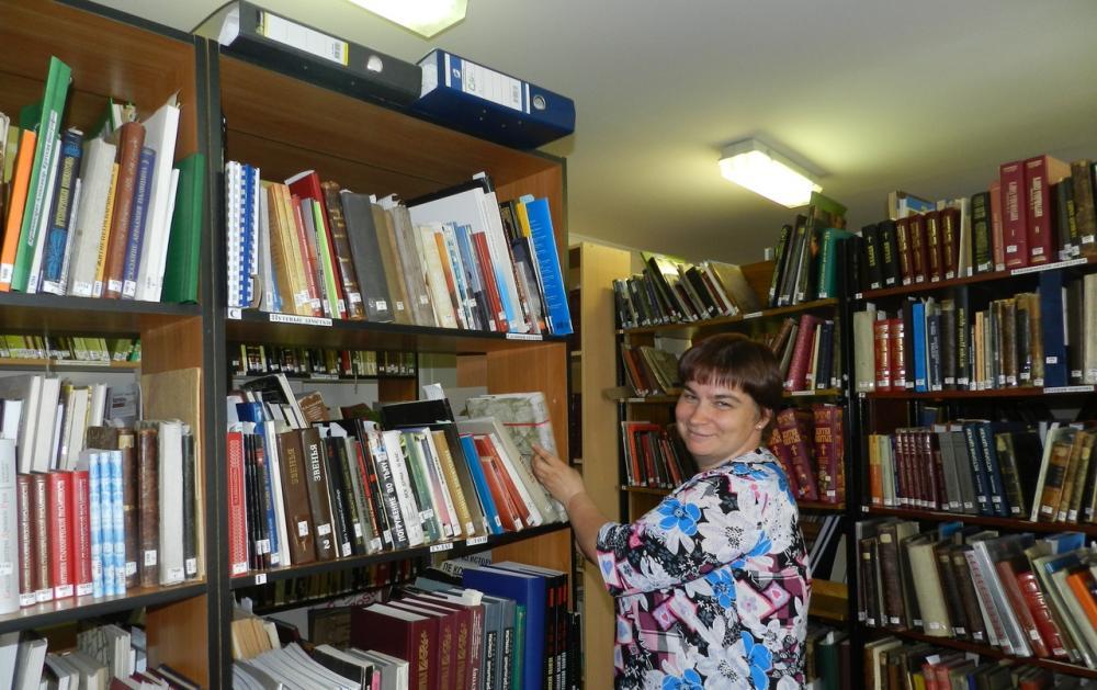 Елена Игоревна Максимова - библиотекарь