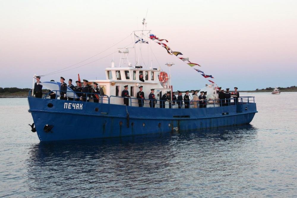 Участники Летней Соловецкой школы юнг. Морской ход на Большой Заяцкий остров.