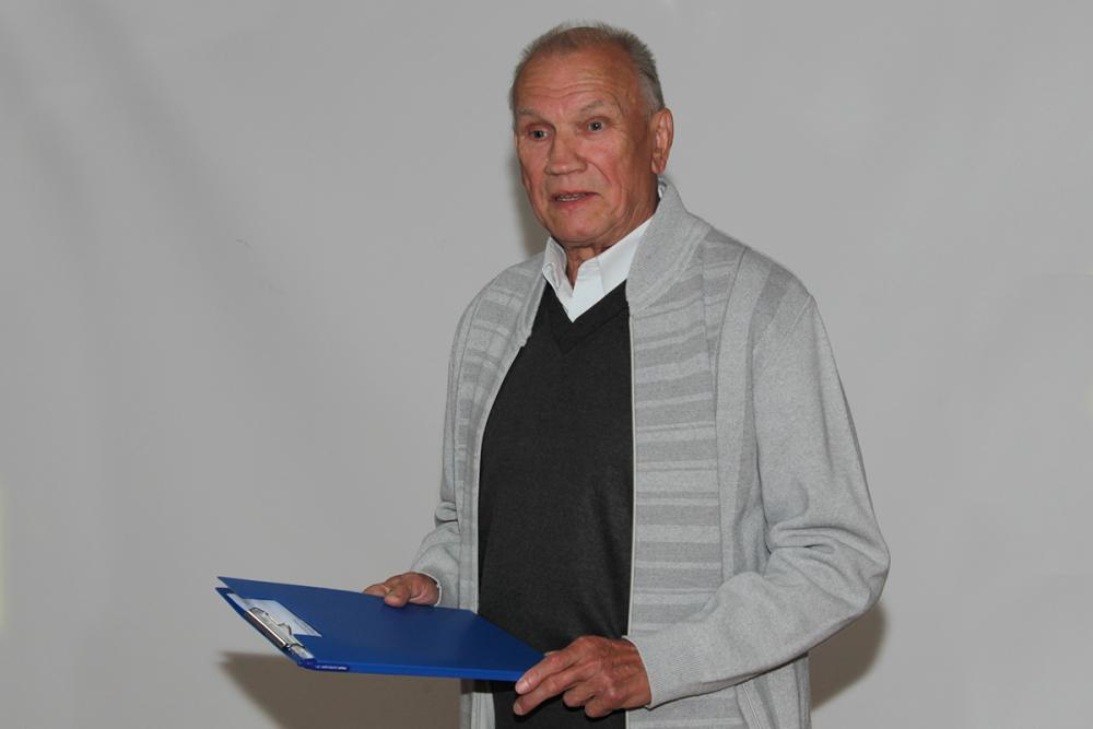 Смирнов Юрий Сергеевич,к.б.н., директор БС БИН РАН, Санкт-Петербург, председатель Северо-западных садов России