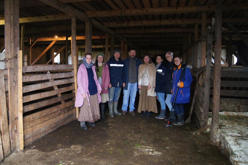 На ферме д. Куракино с главой хозяйства Виктором Евгеньевичем Мишинцевым